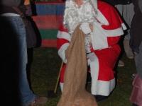 nikolaus-besuch-beim-weihnachtsmarkt-klinikum-ludwigshafen-06-12-2012-12
