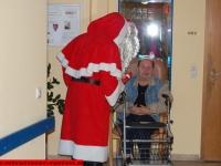 weihnachtsmann-besuch-altersheim-hemsbach-06-dezember-2013-14