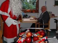weihnachtsmann-besuch-altersheim-hemsbach-06-dezember-2013-17