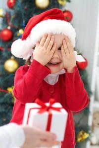 Kindergeschenke verteilen Nikolaus